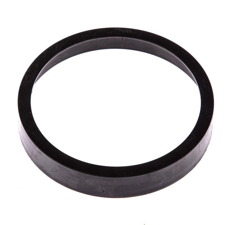 """Oryginalny pierścień mocujący uszczelkę w rurze odpływowej stelaża podtynkowego """"K-50 SLIM"""" marki Kerra."""